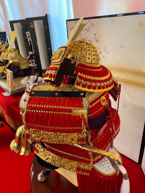古来から赤は魔除けの色とされ、神社の鳥居にも用いられる。