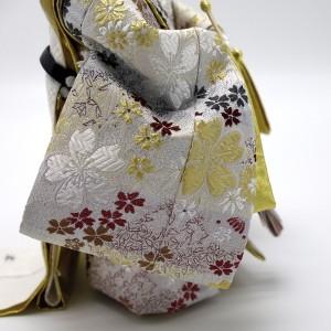 一面に咲き誇る桜の光景を表現する『桜尽くし』お殿様の衣裳。