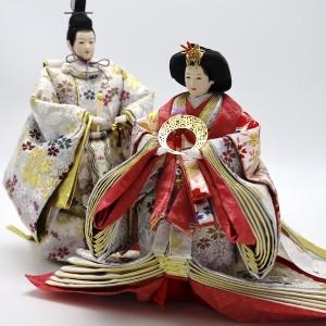 伝統とモダンの融合。東之華独特のスタイリッシュな立ち姿。衣装は色違いのお揃い。